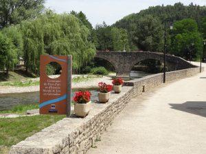 Les Salelles - Pont sur le Lot
